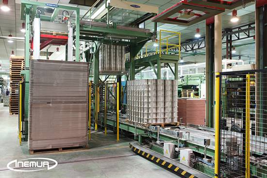 Palletising and depalletising for metalic containers 3