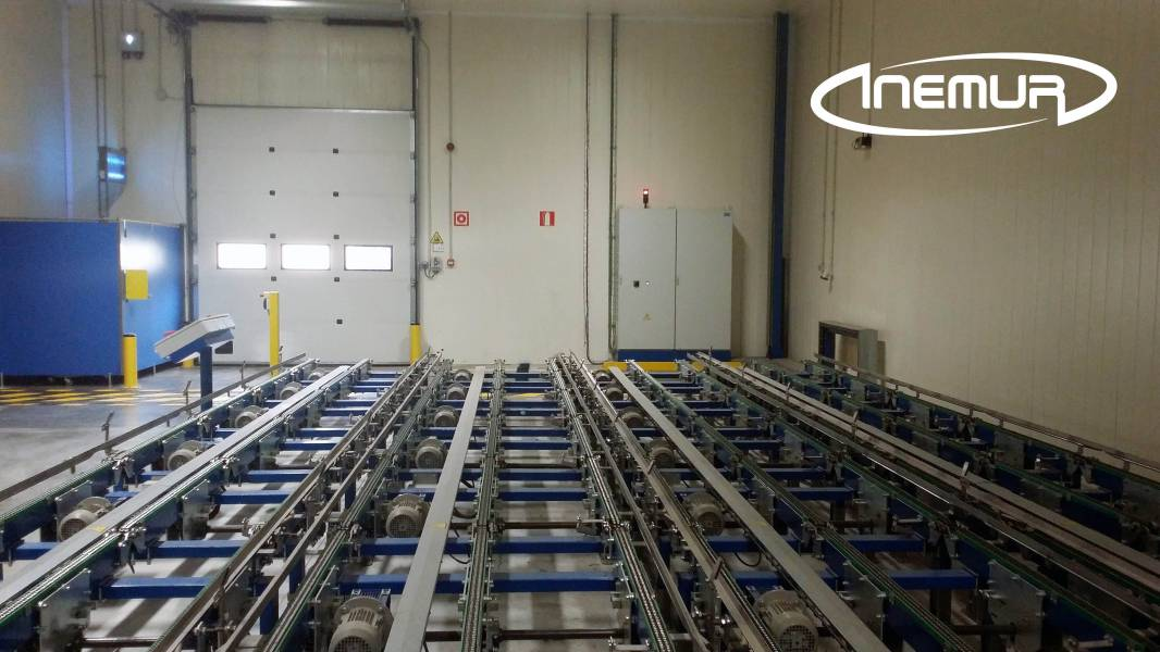 Pallet conveyors 10